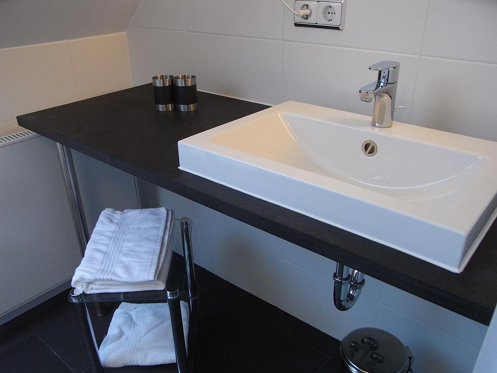 Waschtischplatte stein  Badgestaltung - J+B - Naturstein und Schiefer kaufen ...